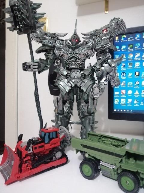 -- Figura Transformação Grimlock