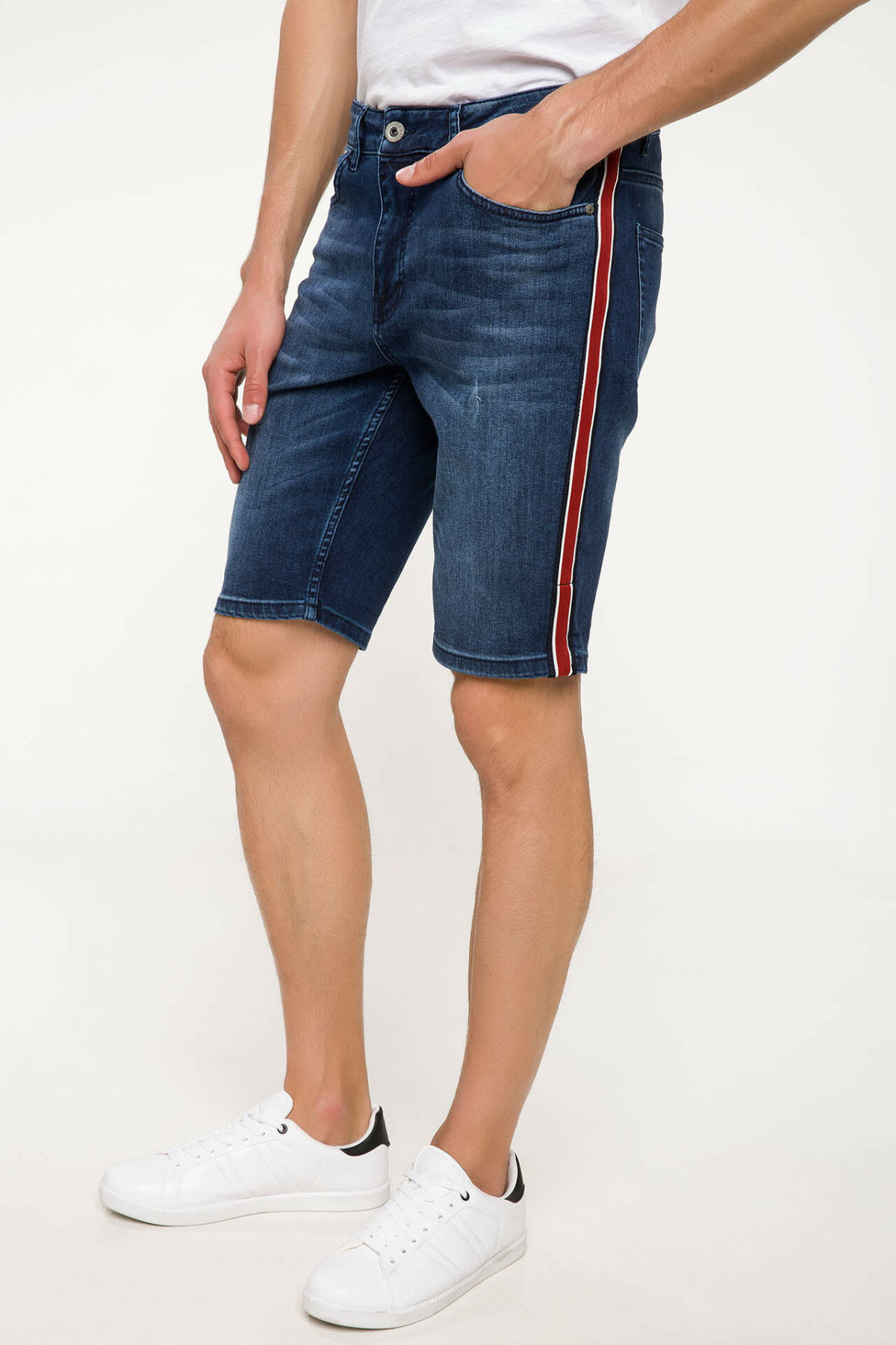 DeFacto Man Summer Blue Denim Shorts Men Casual Straight Denim Bottoms Male Red Striped Decors Bermuda Short-J2748AZ18SM