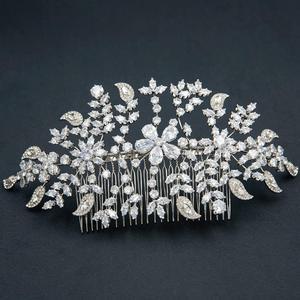 Image 4 - Klasik şeffaf kristaller Rhinestone büyük gelin düğün kafa bantları saç Combs kadınlar Tiara ayarlanabilir saç takı başlığı HG085