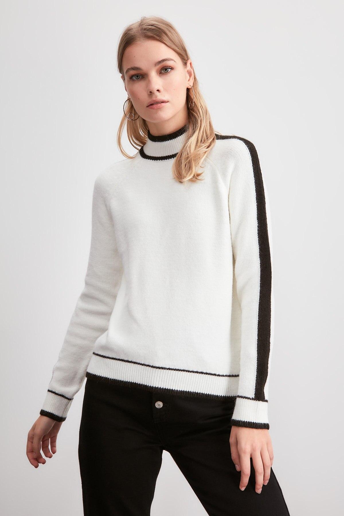Trendyol Sides Striped Knitwear Sweater TWOAW20KZ1465