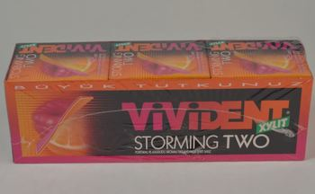 Vivident storm pomarańcza i malina o smaku 18 #215 33 gr guma tanie i dobre opinie Kobiet 12 + y DE (pochodzenie)