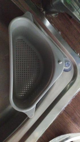 Triangular Sink Strainer Drain Fruit Vegetable Drainer Basket Suction