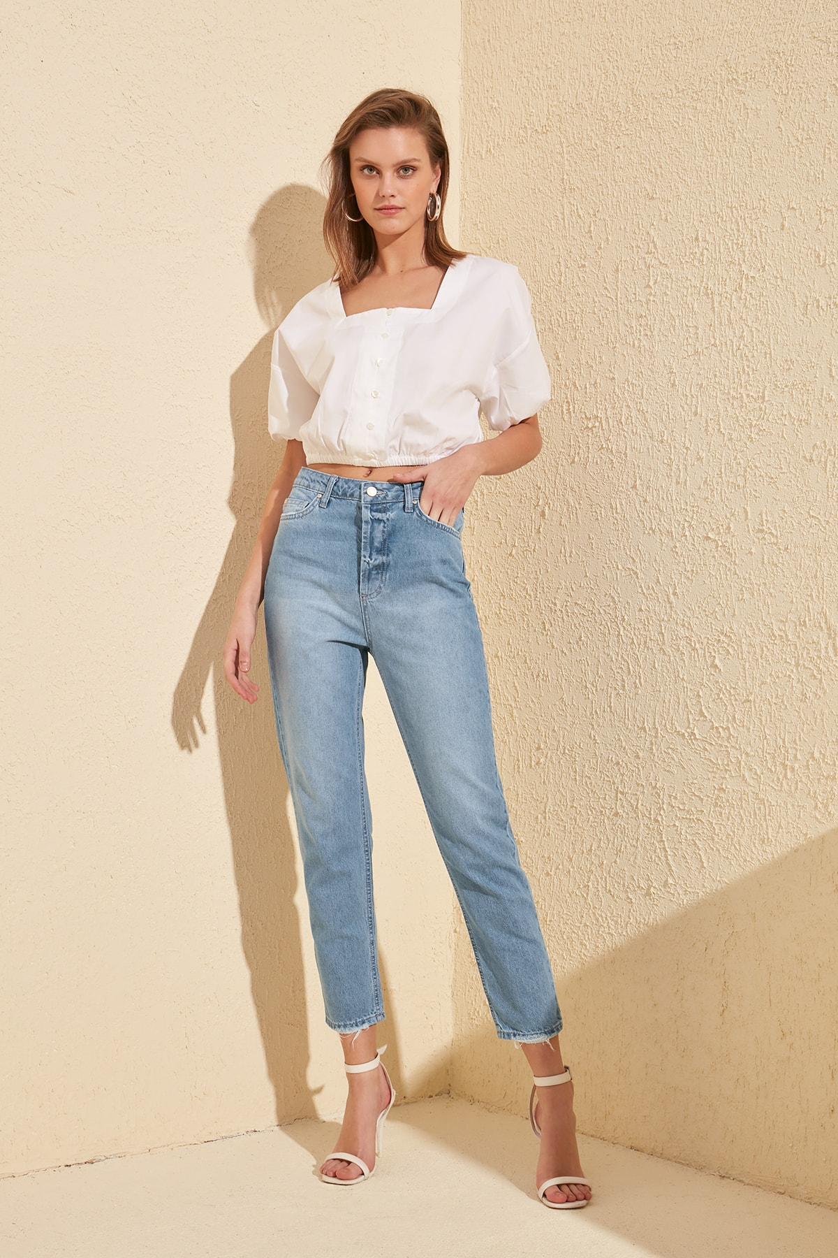 Trendyol High Bel Mom Jeans TWOSS20JE0169