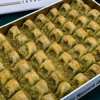 Tradycyjne świeże pyszne premium turecki baklawa z pistacją Deser Baklava znana marka turecka pistacja Baklava tanie i dobre opinie HAFIZ MUSTAFA TR (pochodzenie) Gotowanie pochodnie Deser narzędzia