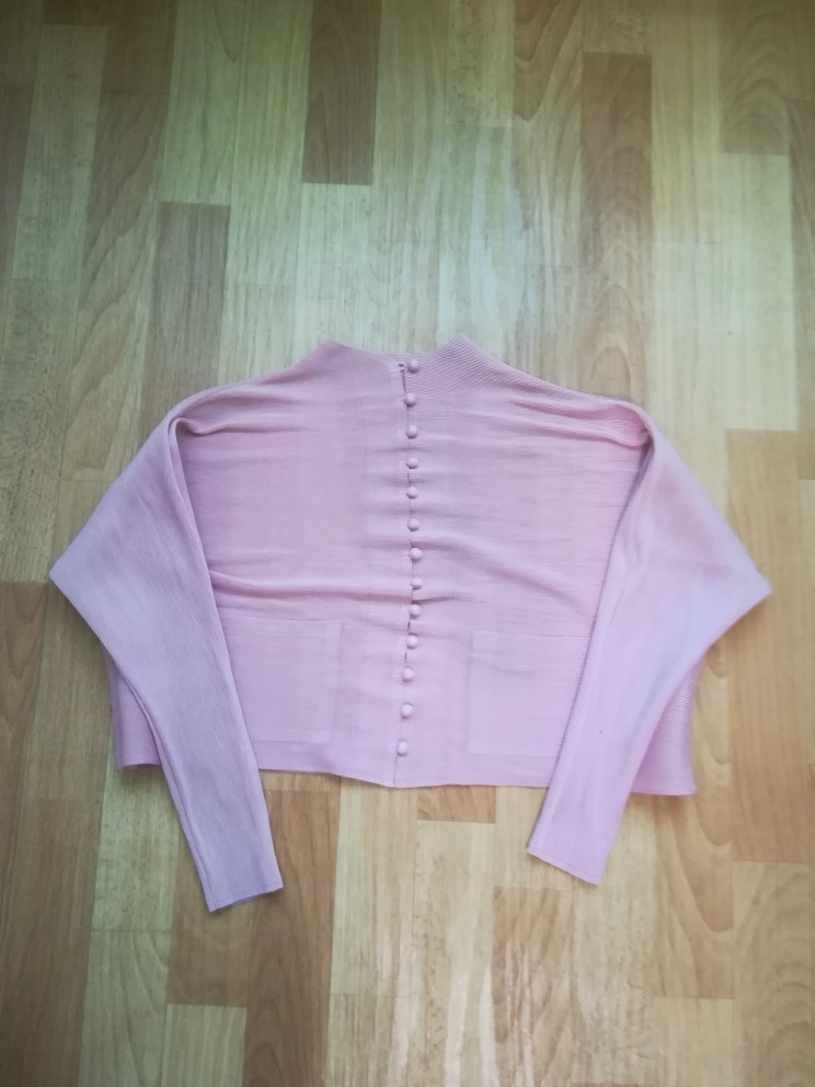 Fashion Pleated Clothing Shirt O Neck Long Batwing Sleeve Single Breasted Pleated Pockets Woman Blouse photo review