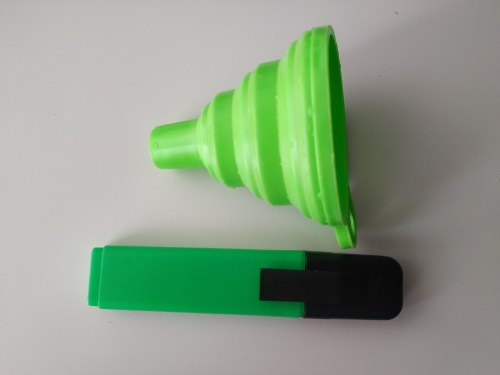 Mini Silicone Gel Foldable Collapsible Style Funnel photo review