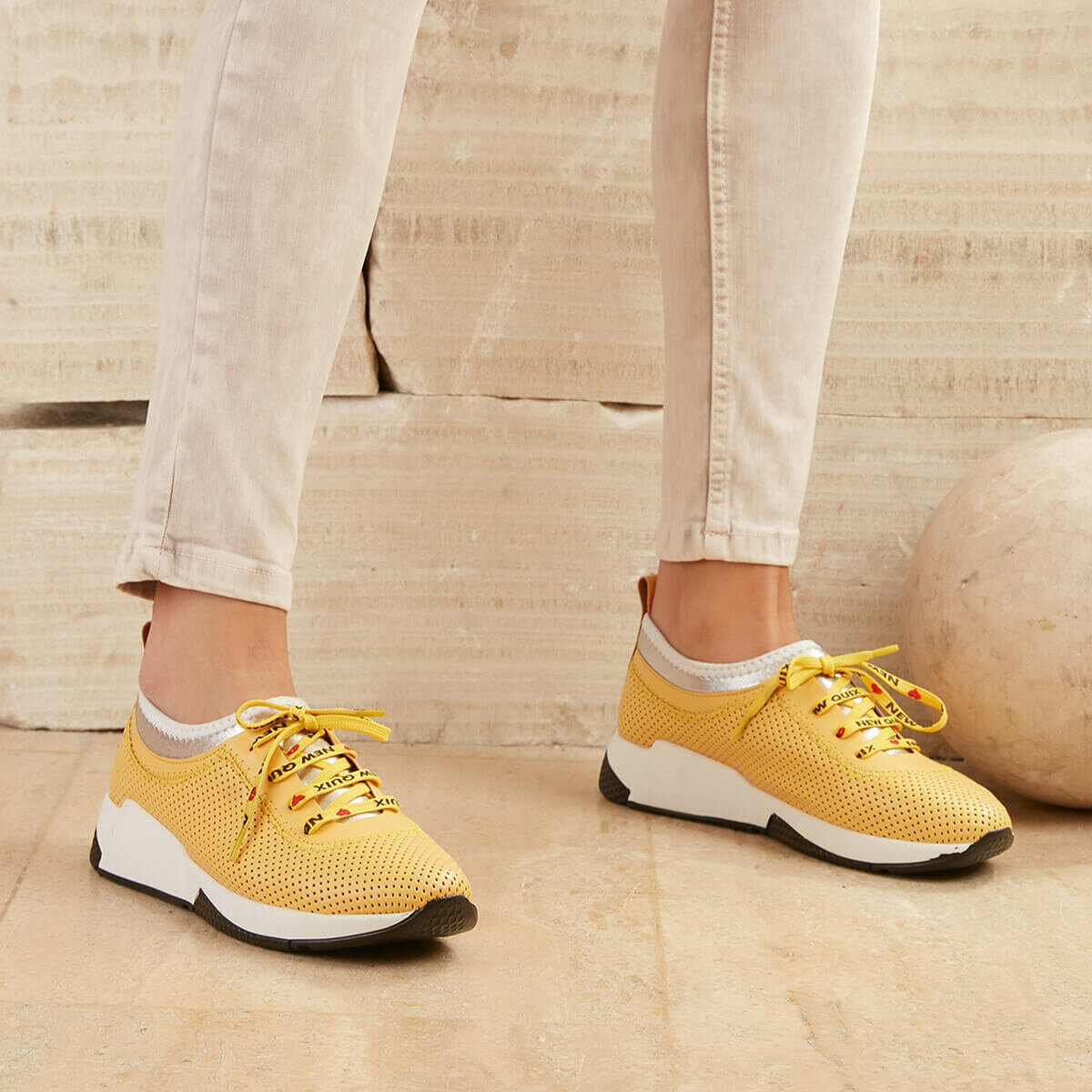 FLO QUIX51Z Yellow Women 'S Sneaker Shoes BUTIGO