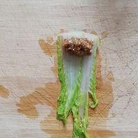 过年餐桌上必备的一道菜,翡翠白玉卷的做法图解4