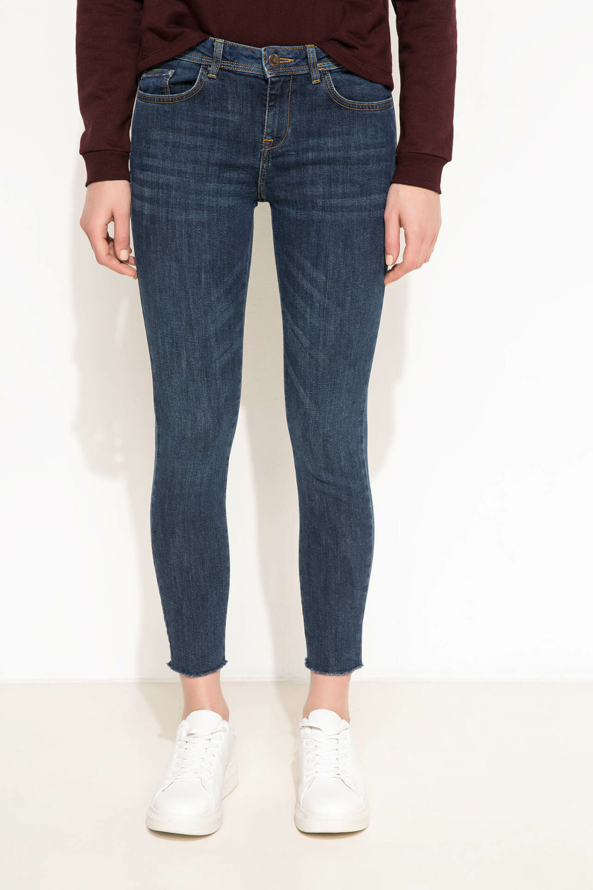 DeFacto Blue Women Worn Hole Skinny Jeans Denim Simple Mid-waist Denim Stretch Casual Nine Minutes Pencil Trousers-I7560AZ17CW-I7560AZ17CW