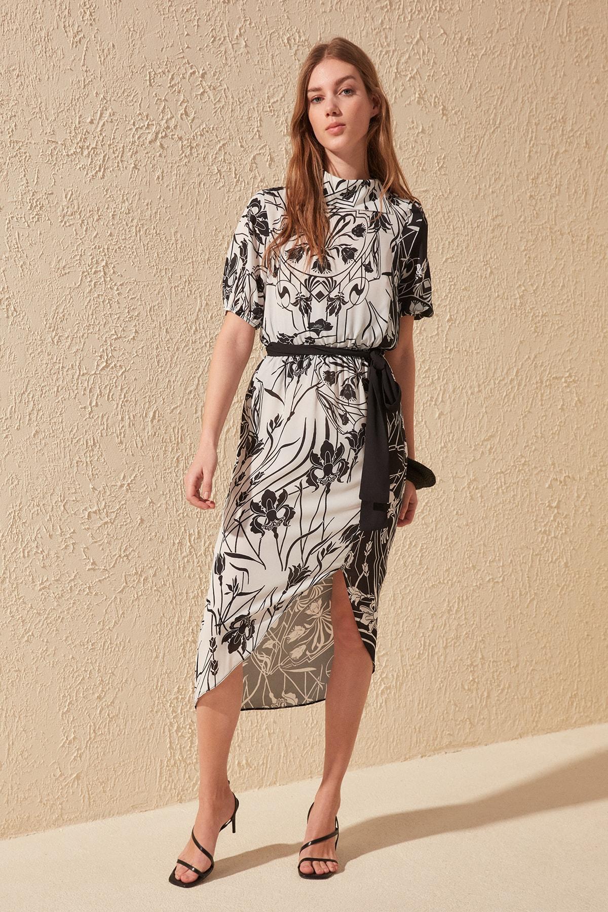Trendyol Belted Print Dress TWOSS20EL0395