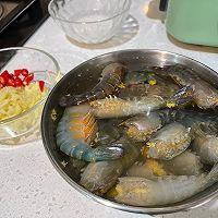 比小龙虾更好吃——蒜蓉大头虾的做法图解1