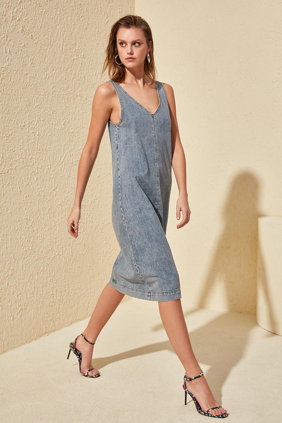 Trendyol V Collar Back Low-Cut Denim Dress TWOSS20EL0591