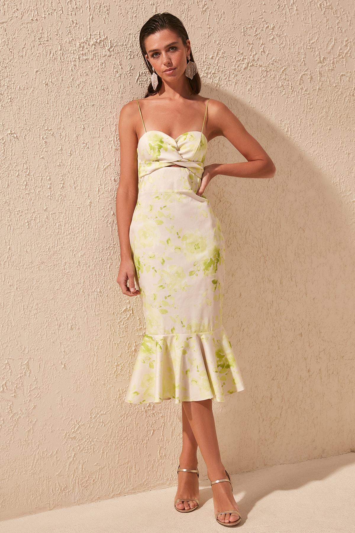 Trendyol Waist Low-Cut Dress TPRSS20EL1444