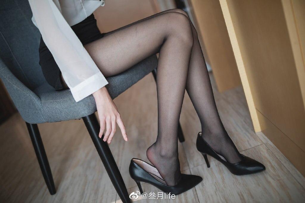 好标准的OL呀@许岚LAN 这么漂亮的腿不登三轮可惜了!插图4