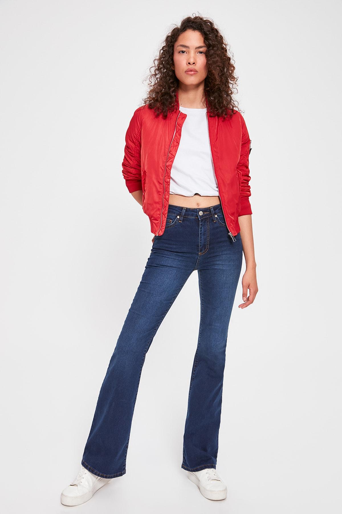 Trendyol High Waist Flare Jeans TWOAW20JE0169