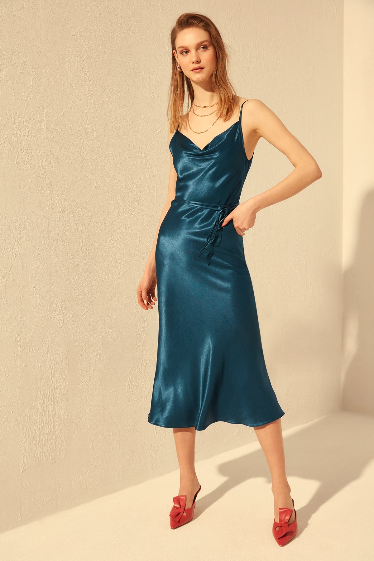 Trendyol Belted Satin Dress TWOSS20EL1276