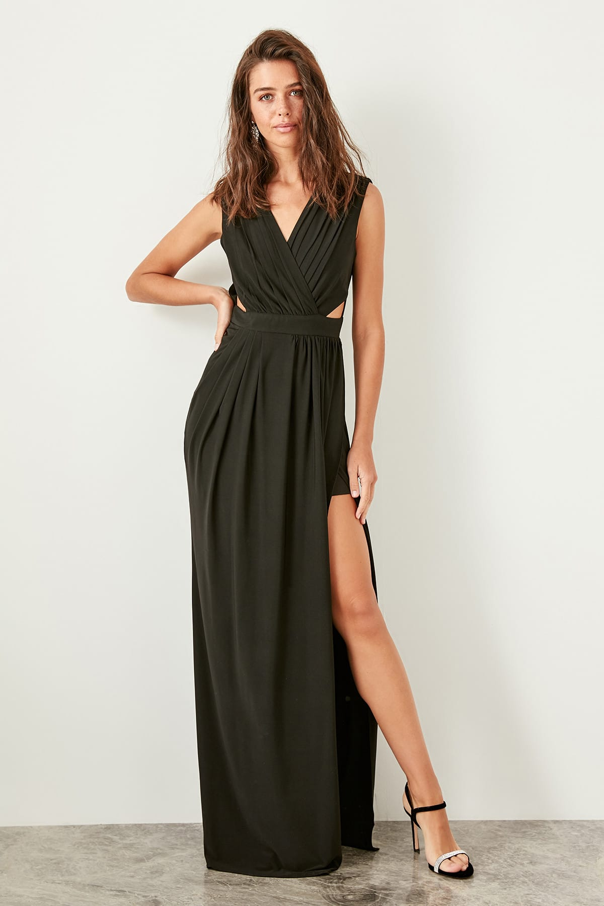 Trendyol Waist Low-Cut Evening Dress TPRSS19UT0095