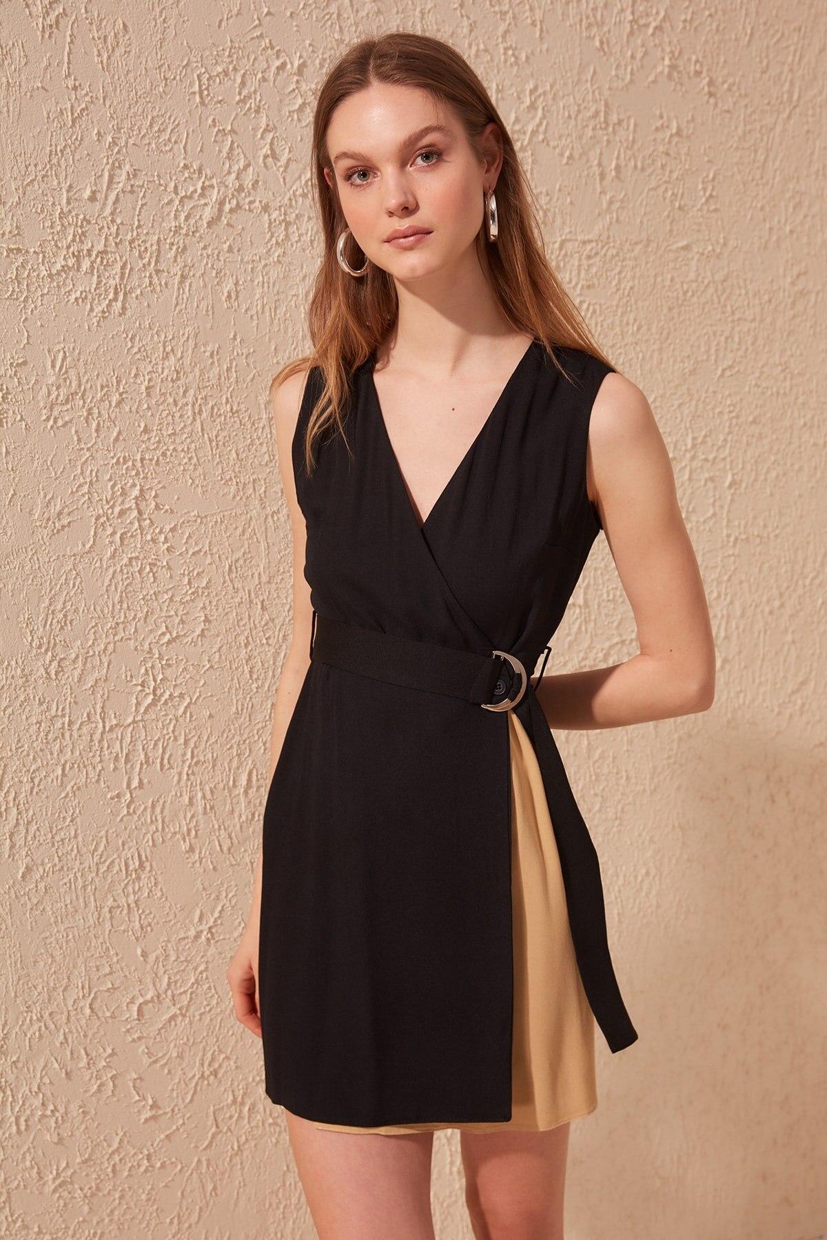 Trendyol Arched Dress TWOSS20EL0195