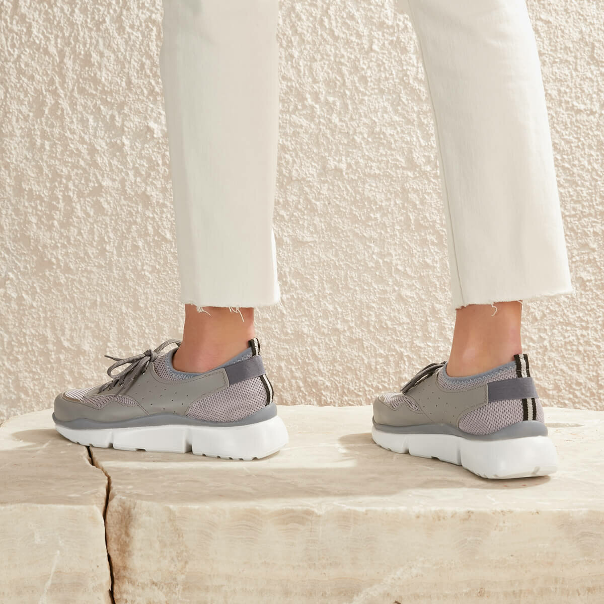 FLO MELTEM78Z SKIN Light Gray Women 'S Sneaker Shoes BUTIGO