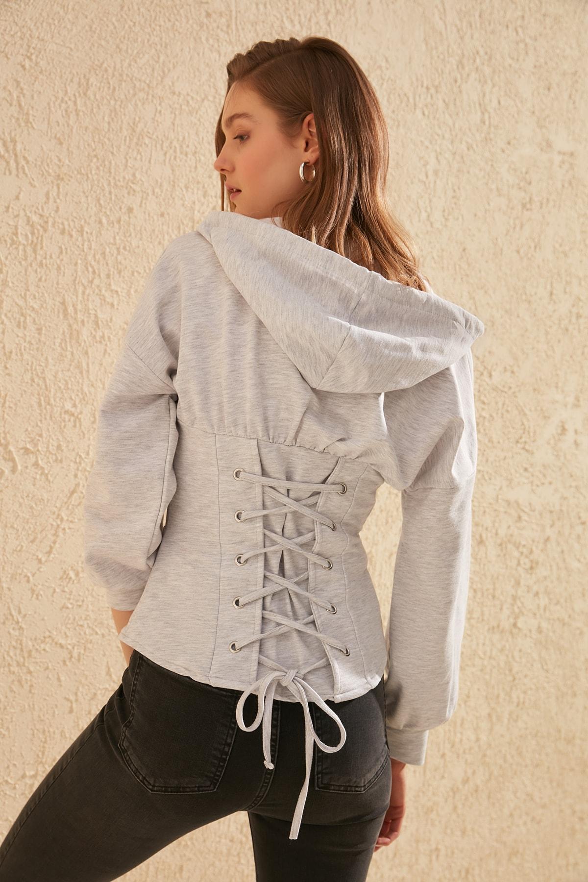 Trendyol Lacing Detailed Hooded Knitted Sweatshirt TWOSS20SW0131