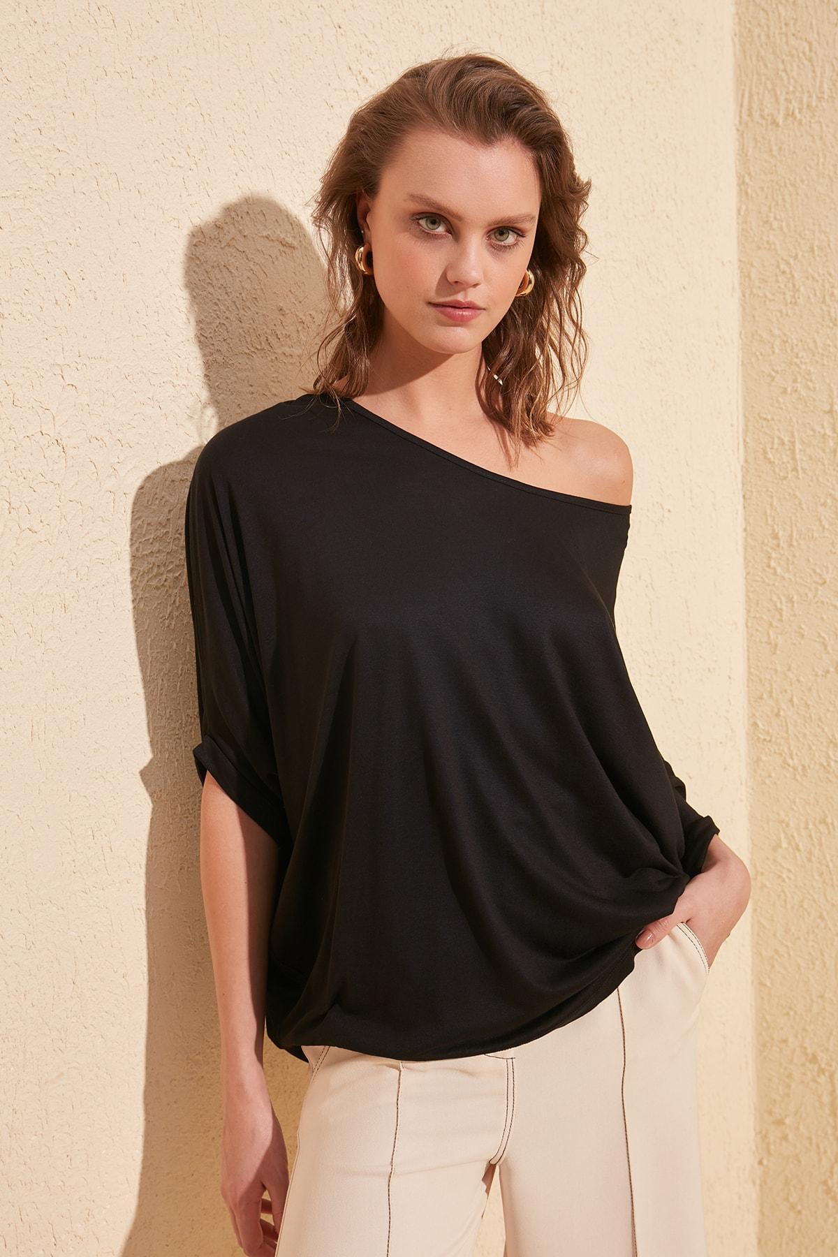 Trendyol Kayak Collar Boyfriend Knitted T-Shirt TWOSS20TS0830