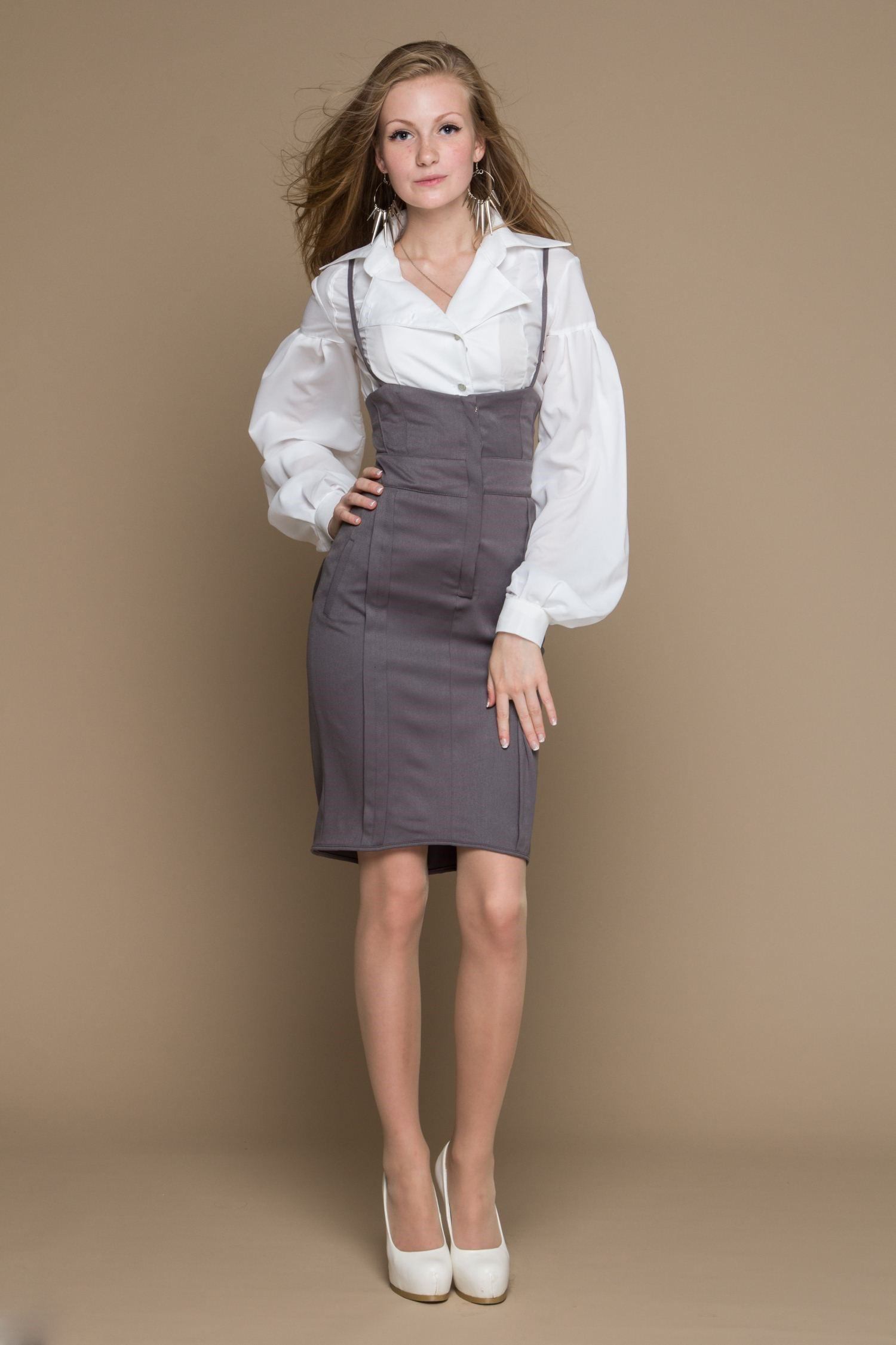 Smart skirt with high waist, lace and bow behind. lace insert fitted faux leather skirt