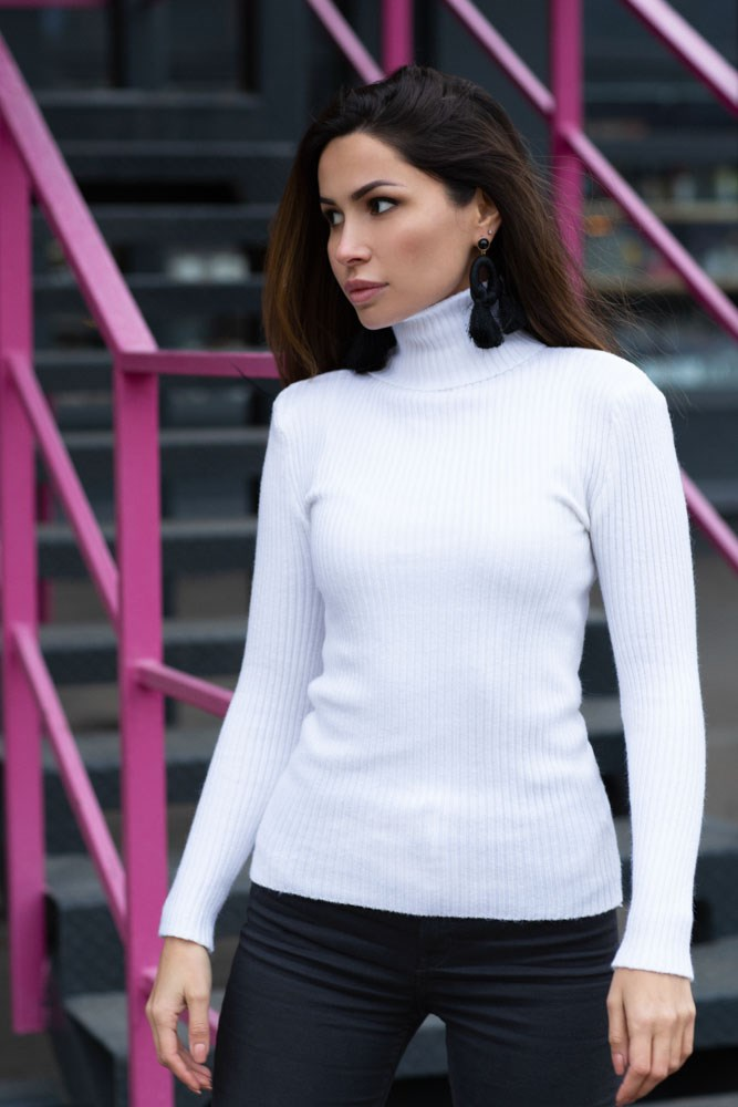 [Available with 10.11] Turtleneck. Color white. turtleneck shift sweater dress