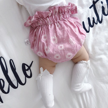 купить 2018 Summer Girls Clothes Diaper Cover For Baby New Cotton Ruffle Bloomers Toddler Brand Baby Girls Clothing Pp Shorts Boutique онлайн