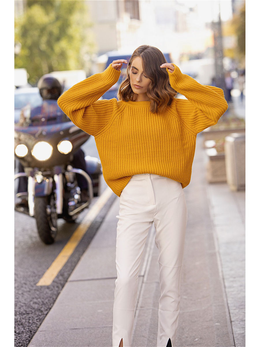 [Available with 10.11] Sweater. Color mustard.