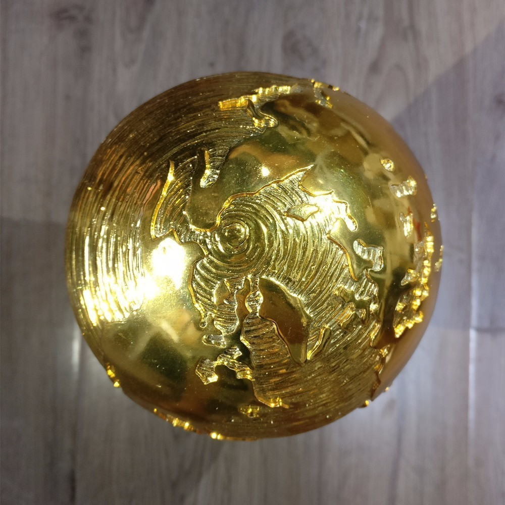 Hot Sale World Soccer Trophy Titan Cup 1:1 Replica Golden Ball Soccer Fans Cheerleading Souvenirs Resin Craft Keepsake Trophies