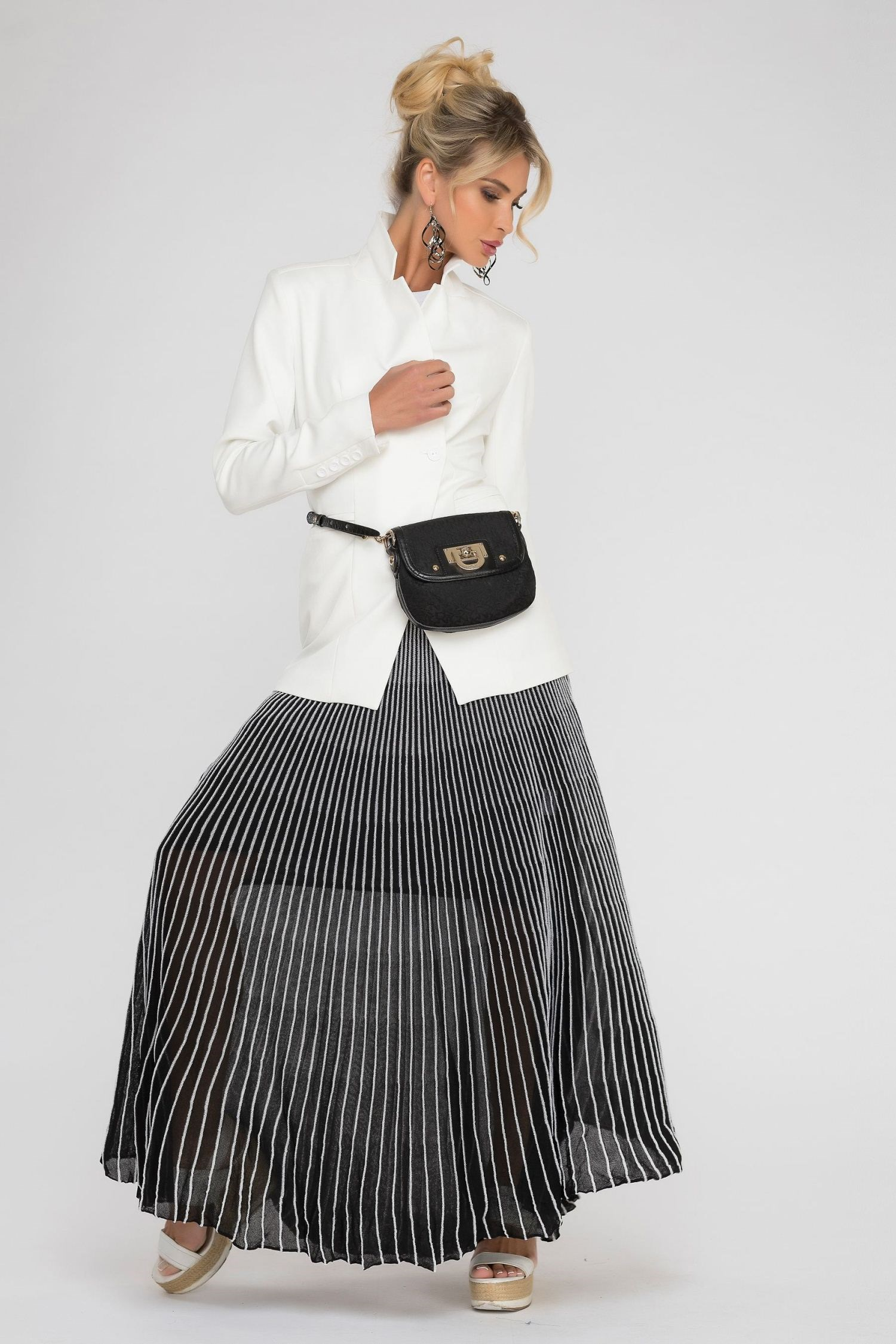 Long skirt pleated. solid pleated skirt