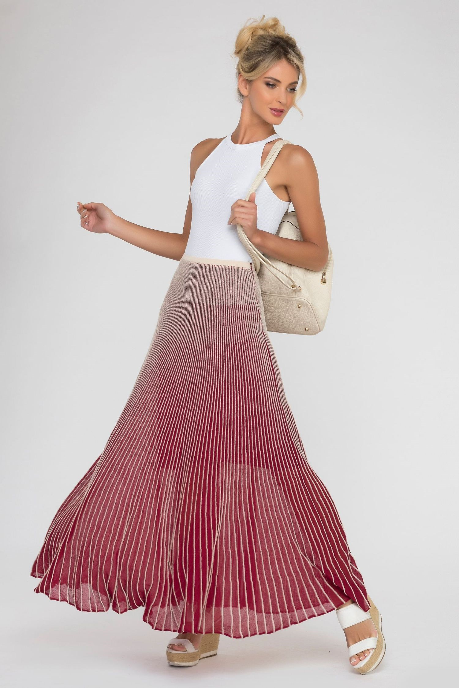Long skirt pleated. pleated mesh skirt