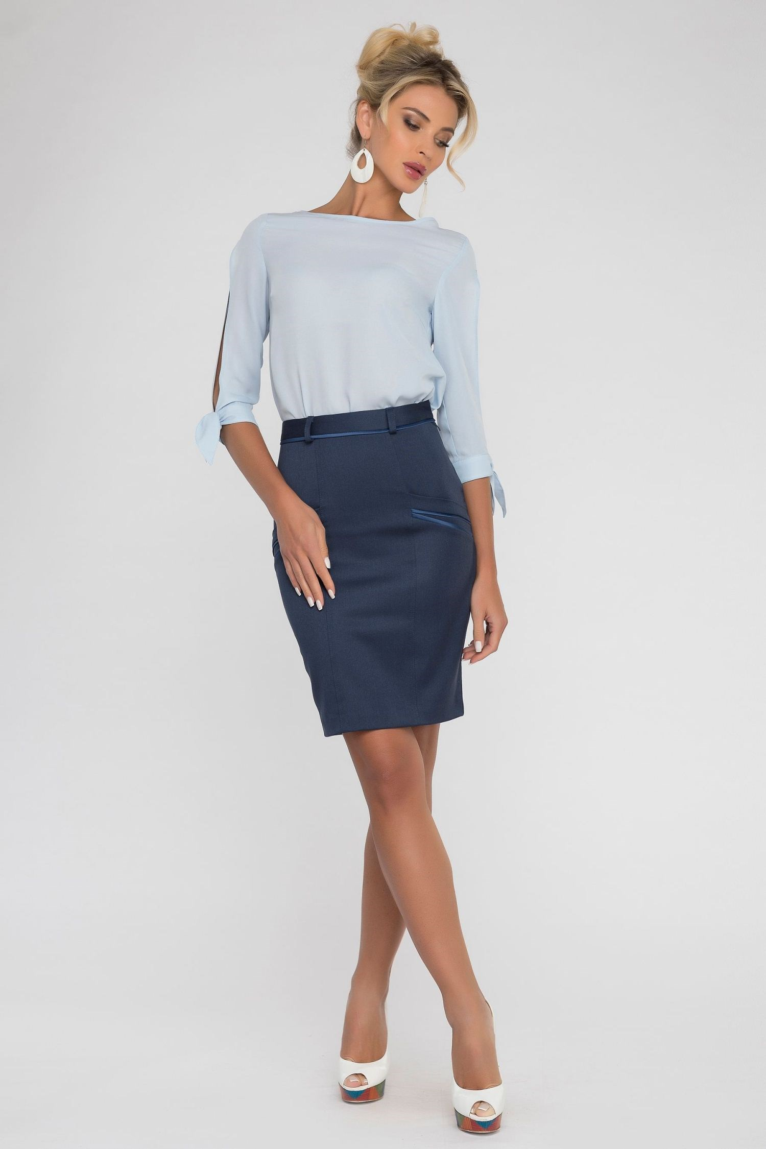 Pencil skirt with contrast pockets. slit back contrast feather pencil skirt