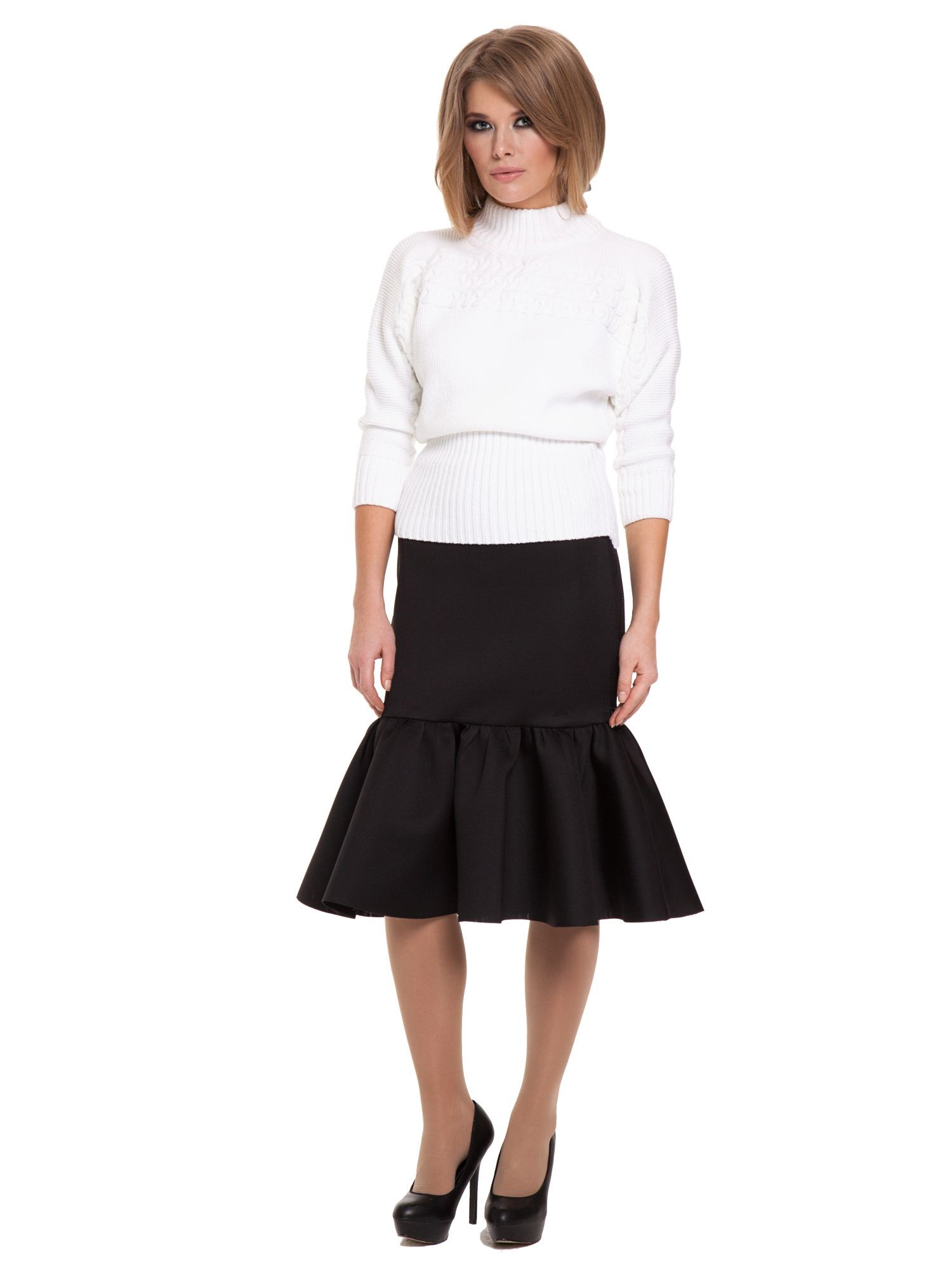 Фото - Slim skirt lace tiered layer skirt