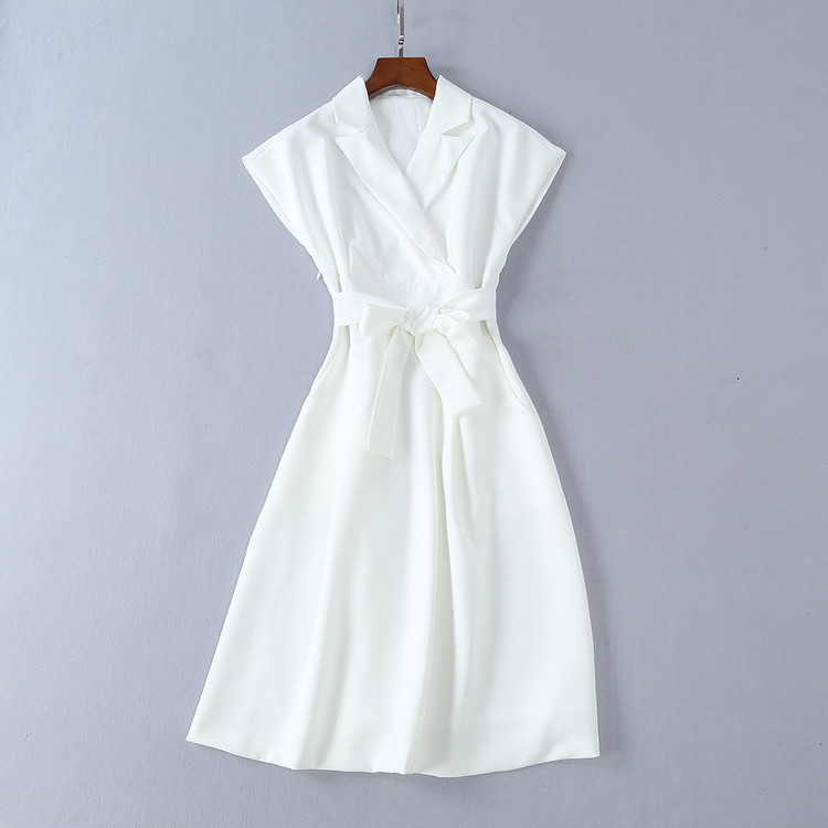 Style européen américain dames robe brève mode crantée blanc sans manches travail OL bureau robe Slim ceintures crayon printemps