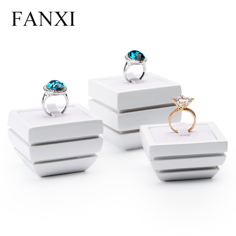 FANXI  New Fashion White Resin Jewelry Display Stand Ring Bracelet Earring Display Holder Jewelry Expositor Shop Showcase