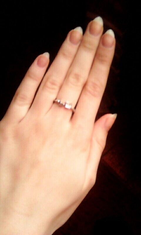 кольцо пришло быстро,за такую цену очень хорошо сделано)))