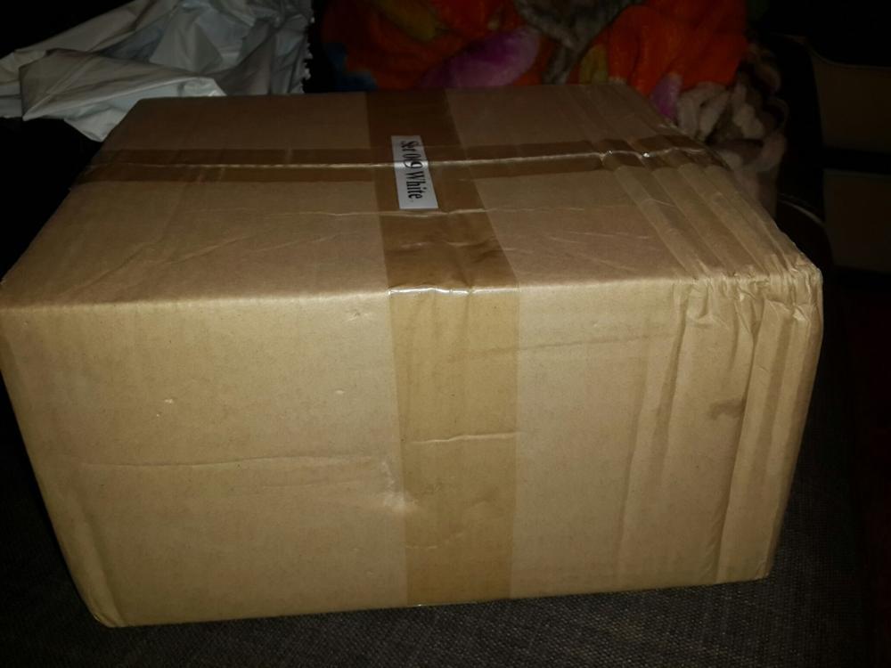 Посылка пришла очень быстро за 11 дней, даже не ожидал такой скорости. Коробка мятая с одной стороны, содержимое почти не пострадало все видно на фото. Все на данный момент работоспособно.