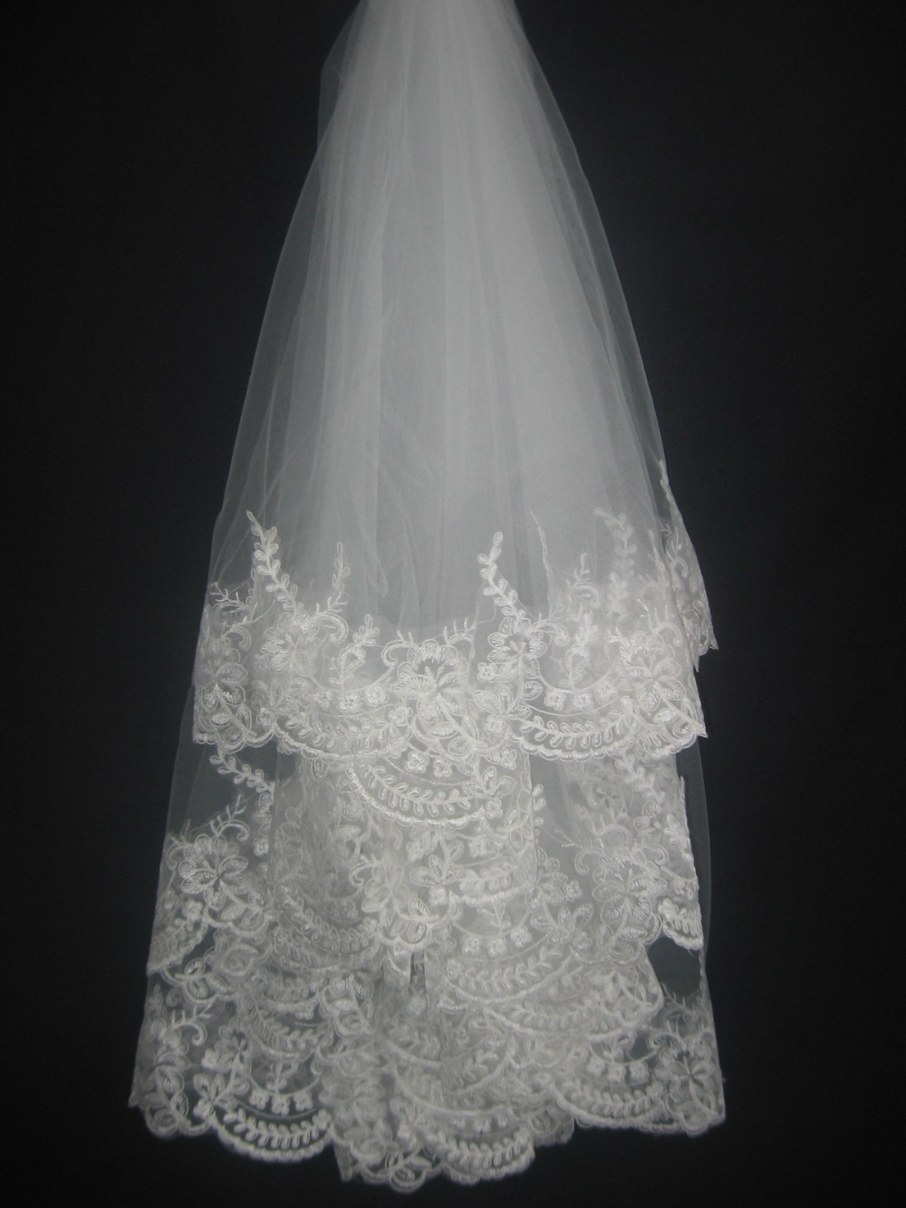 Fashion Short  Wedding Veils  White/Ivory Wedding Accessories Appliques Lace Bridal Veil High Quality