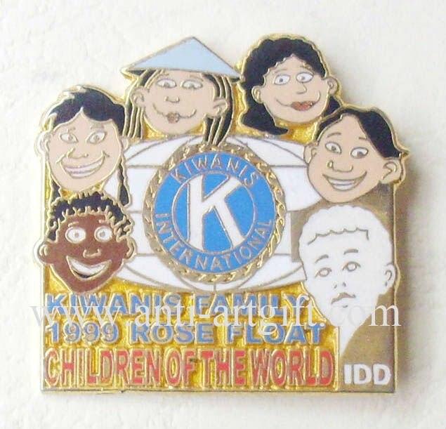 Индивидуальные Оптом Твердые эмалированные коробки Kiwanis клуб металлические значки мягкая эмаль семья мама папа 31,8 мм сувениры подарки