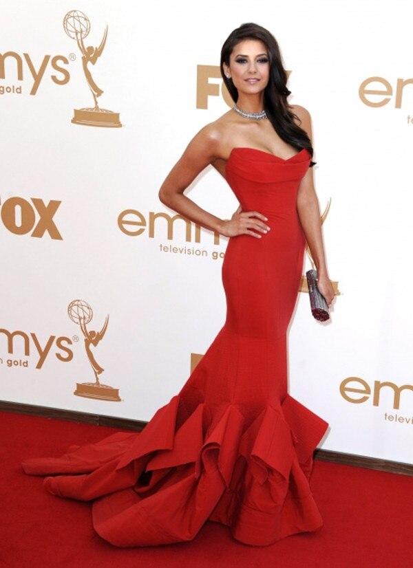 фото нина добрев в красном платье