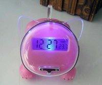 электронный будильник, световой из светодиодов электронные часы, успокоить бездельничали говорящие часы