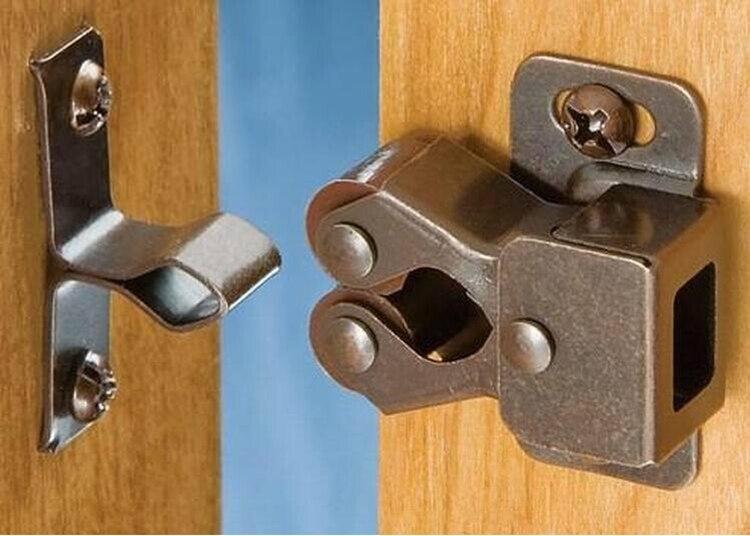 Furniture Cabinet Closet Door Latch Door Stopper Cabinet Door