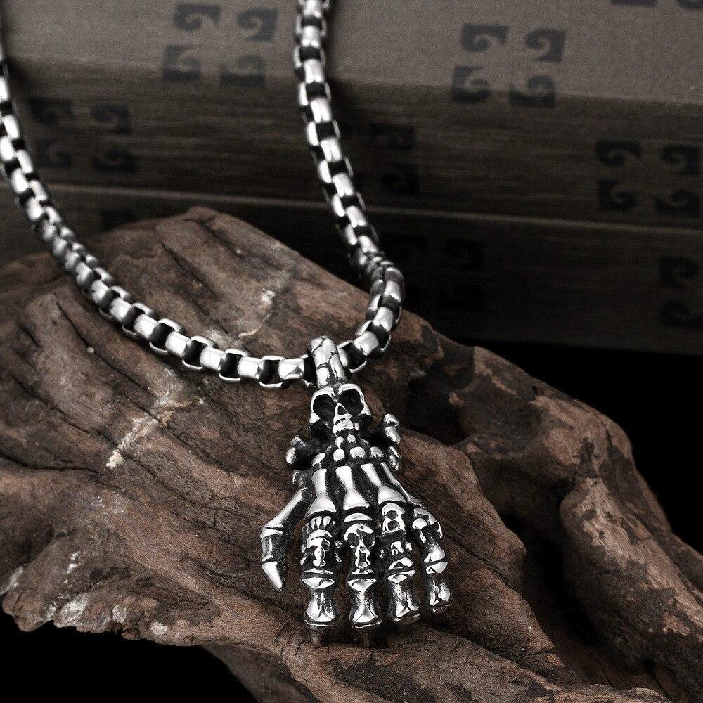 Titane acier marée restauration anciennes voies crâne pendentif personnalité le fantôme main homme collier