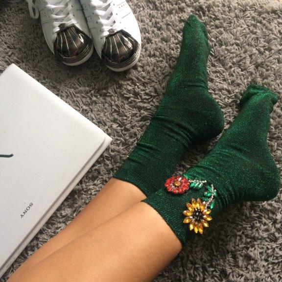 Хит этой весны - носочки с вышивкой