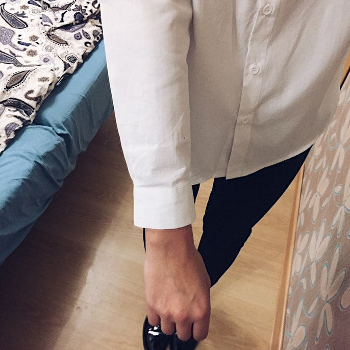 Белая рубашка с нашивками в стиле Zara