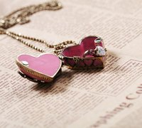 оптовая продажа ювелирных изделий девушки ожерелья мода розовое в форме сердца подвески бисера бронзовый медальон ожерелье sjx013 бесплатная доставка
