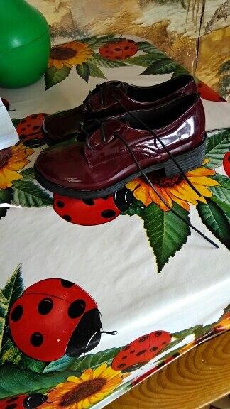 туфельки как на картинке,только шнурки вместо красных черные