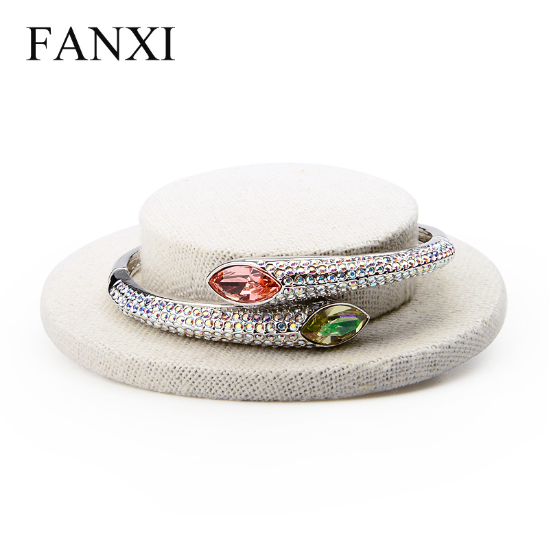 Jewelry Packaging & Display Jewelry & Accessories Smart Fanxi New Product Cap/hat Model Jewelry Bracelet/hand Chain Display Wrapped With Thin Linen Fabric Creamy White Bangle Stand Can Be Repeatedly Remolded.
