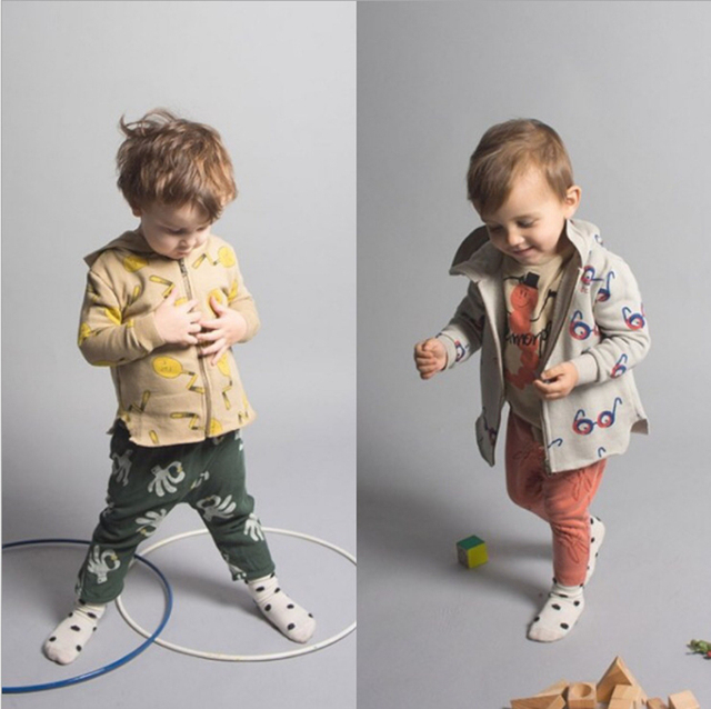 Crianças Jaquetas Para Os Meninos 2016 Outono Com Capuz Impresso Óculos & Colher de Bebê Meninos Outerwear & Casacos 1-7 Anos Roupa dos miúdos